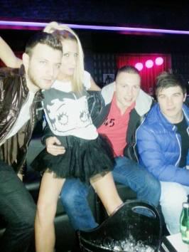 Violeta i Brandon s društvom (The Famous Disco Club, Folnegovićeva 10, Zagreb)